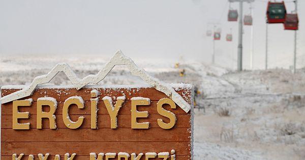 Erciyes karla kaplandı