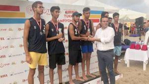 Plajı Olmayan Şehrin Sporcuları Plaj Voleybolu Türkiye Şampiyonu Oldu