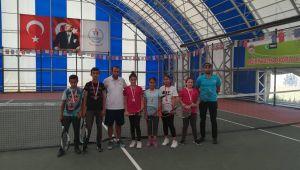 30 Ağustos Tenis Turnuvası Sona Erdi
