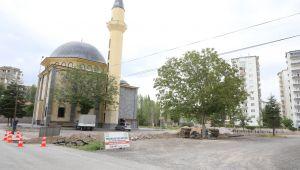 Büyükpoyraz Cami Çevre Düzenlemesi Yapıldı