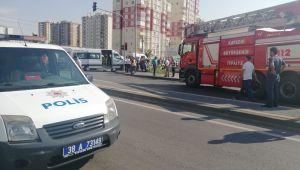 Kayseri'de 3 Aracın Karıştığı Kazada Çok Sayıda Yaralı Var