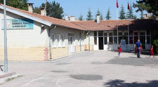 Veliler 'İlkokul yıkılacak' İddiası İle Valiliğe Koştu