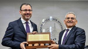 Spor turizmi için Erciyes'e bakanlık desteği