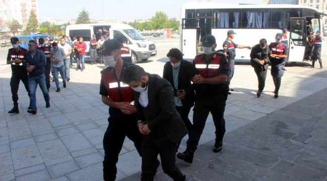 Kayseri merkezli 14 ilde insan kaçakçılarına operasyon: 25 gözaltı