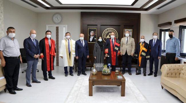 AK Parti Kayseri Milletvekili İsmail Emrah Karayel doktor unvanını aldı