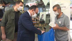 Elazığ Valisi Erkaya Yırık, engelli vatandaşın tüm maskelerini satın aldı