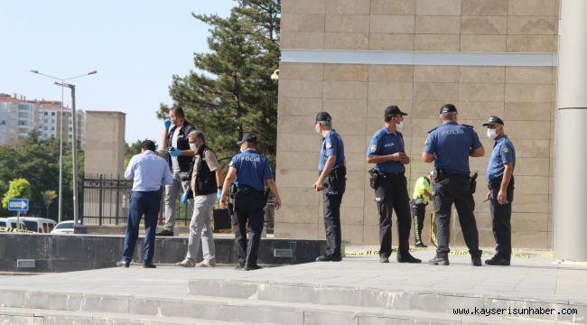 Kayseri Bölge Adliye Mahkemesi önünde şüpheli paket alarmı
