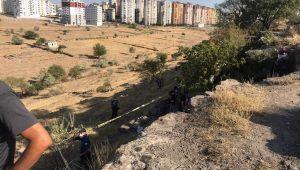 Kayseri'de intihar! Haber alınamayan adam ağaçta asılı bulundu
