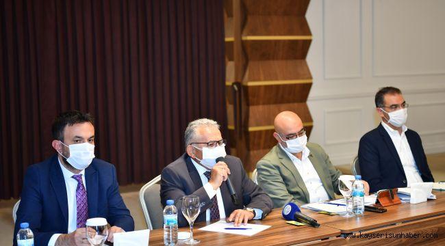 Büyükkılıç, Erciyes Zirvesi'nde yatırımcıları uyardı