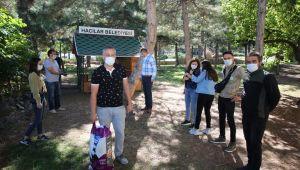 Hayvanları Koruma Günü'nde 'Patili' dostlar için yem bırakıldı