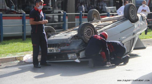 Kayseri'de takla atan otomobilde şans eseri yaralanan olmadı