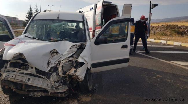 Develi'de trafik kazası: 2 yaralı