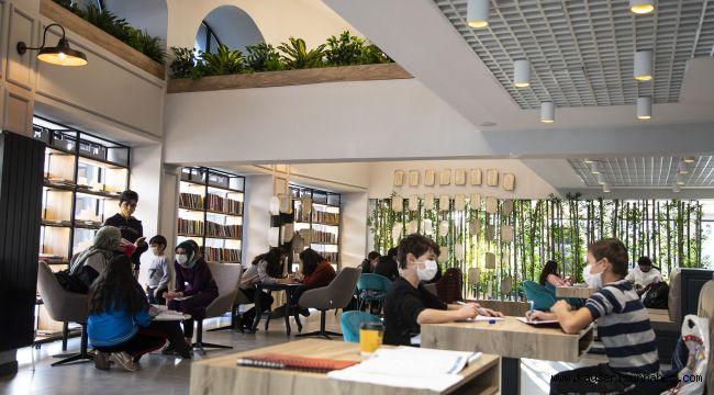Talas Kültür Merkezi ve 7/24 Kütüphane yoğun ilgi görüyor