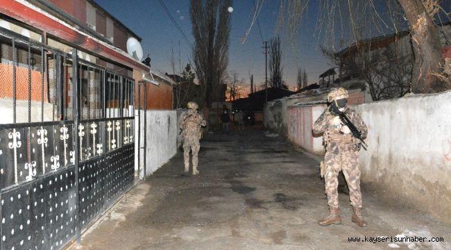 Kayseri'de 34 adrese eş zamanlı operasyon: 18 gözaltı