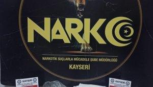 Kayseri'de çekici koltuğuna gizlenmiş 210 gram metamfetamin ele geçirildi