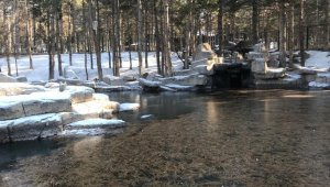 Kayseri'de suni göl buz tuttu