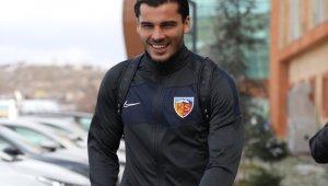 Kayserispor 23 futbolcuyla İstanbul'a gitti