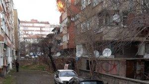 Apartman dairesinde çıkan yangın korkuttu