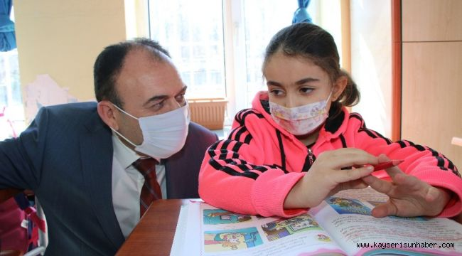 İl Milli Eğitim Müdürü Çandıroğlu ilk ders zilini çaldı