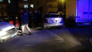 Polisten kaçan şahıs aracı bırakarak kayıplara karıştı