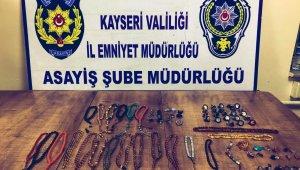 65 bin TL'lik takı ve tespih çalan şahıs yakalandı