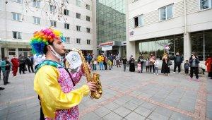 Talas maskot bando çocuklara moral oldu