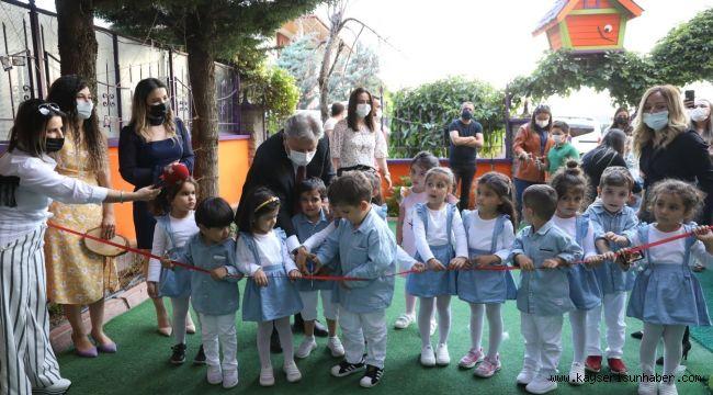Başkan Palancıoğlu minik öğrencilerin sergisini gezdi
