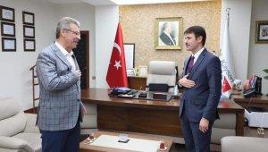 Kaymakam Cebeci Başkan Akay'ı ziyaret etti