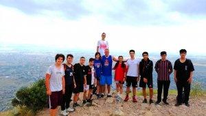 Hasketbol GSK'dan 15 Temmuz Şehitleri'ni Anma Ali Dağı Tırmanışı