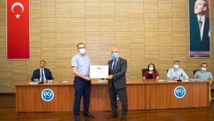 Kayseri Üniversitesi'ne engelsiz üniversite işareti olan 'Turuncu Bayrak' ödülü
