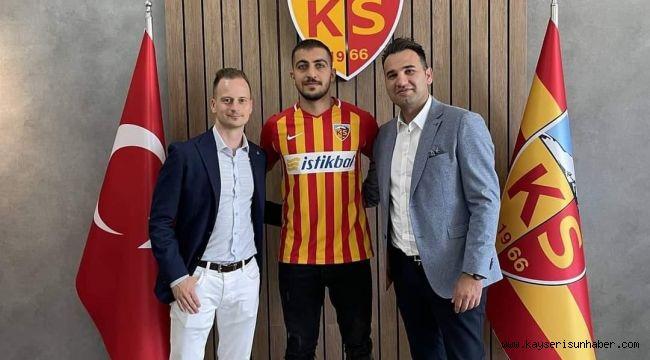 Kayserispor, Majid Hosseni'yi açıkladı