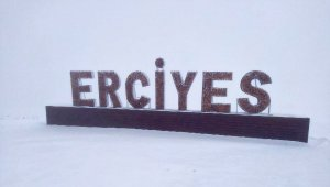 Erciyes'te kar etkili oldu