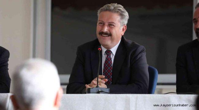 Başkan Palancıoğlu'ndan öğrencilerle İngilizce söyleşi
