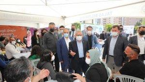Talas Belediyesi'nden kayıt heyecanı yaşayan öğrencilere özel karşılama
